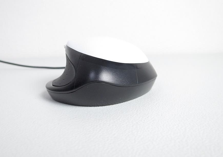 バッファロー ネオフィット 静音マウスの後ろ側